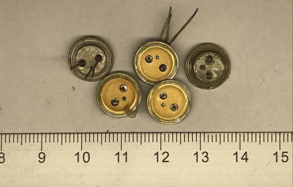 Транзистор КТ603,608,П308 Белые желтый внутри