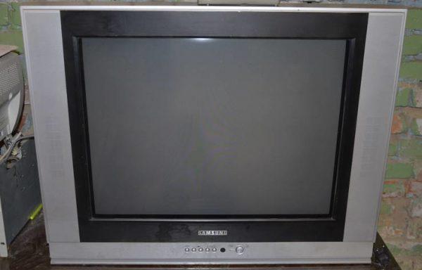 Телевизор Импортный 29″ 70см экран